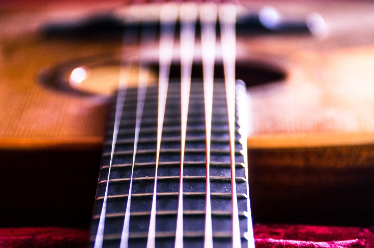 guitar-985033_1920